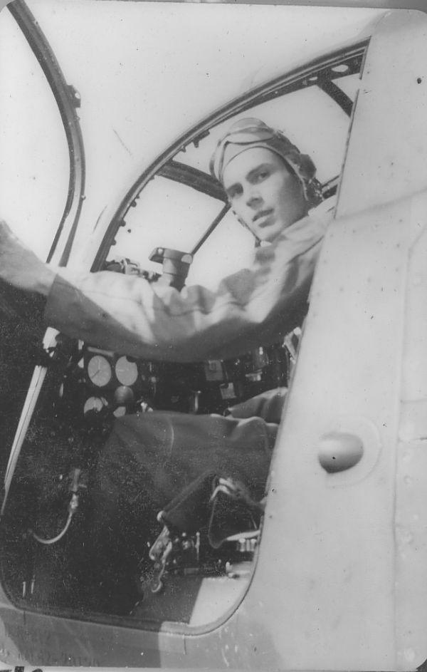 Како се Шкода уклопила у 'европске' стандарде, или - допунска настава за Вилијема... - Page 3 Cockpit_p-39airacobra