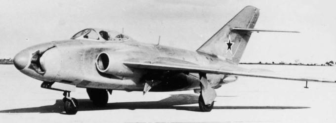 005_MiG-17_SN_002